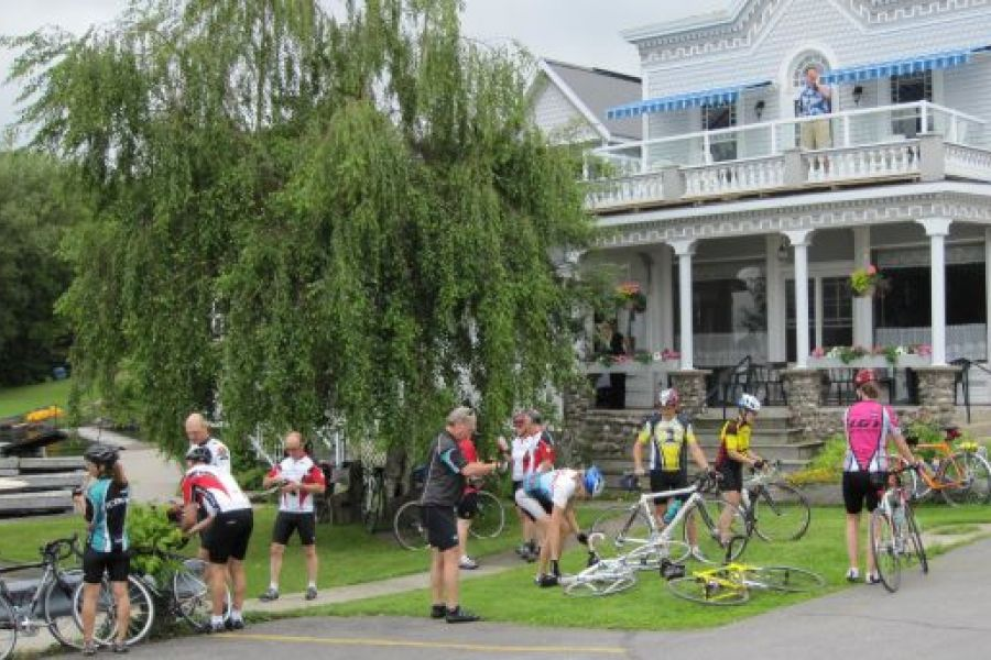 Cyclists gather in Rockport