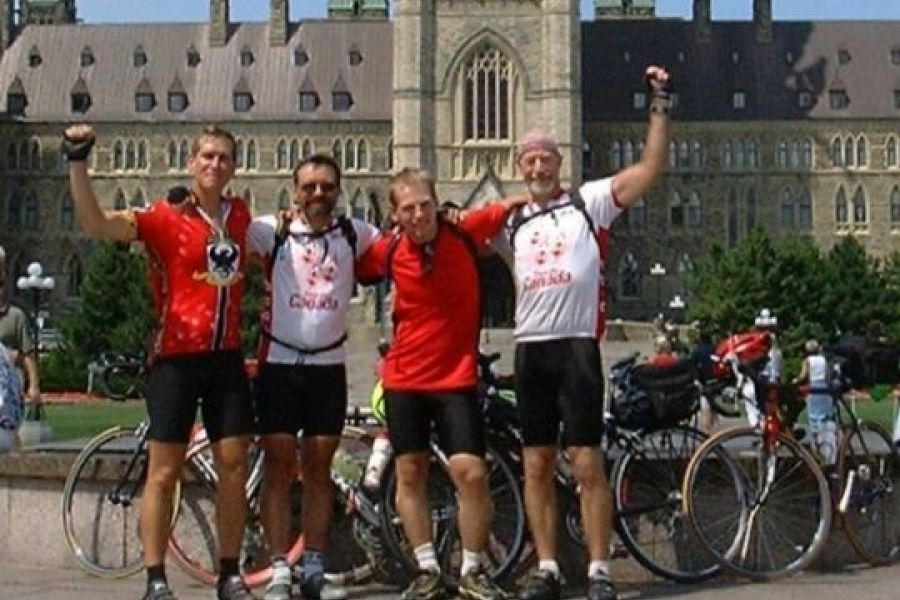 Tour du Canada group reaches Ottawa